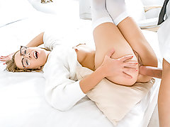 Alexis licks his dick, tonguing the peak to make sure her lecturer enjoys every 2nd of their sex session. Then, she takes a stream of spunk on her thirsty tongue. All Alexis needs is a lil motivation…